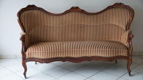 sofa couch kolonial barock antik geschwungen 1840 1880 gestreift vintage brothers. Black Bedroom Furniture Sets. Home Design Ideas